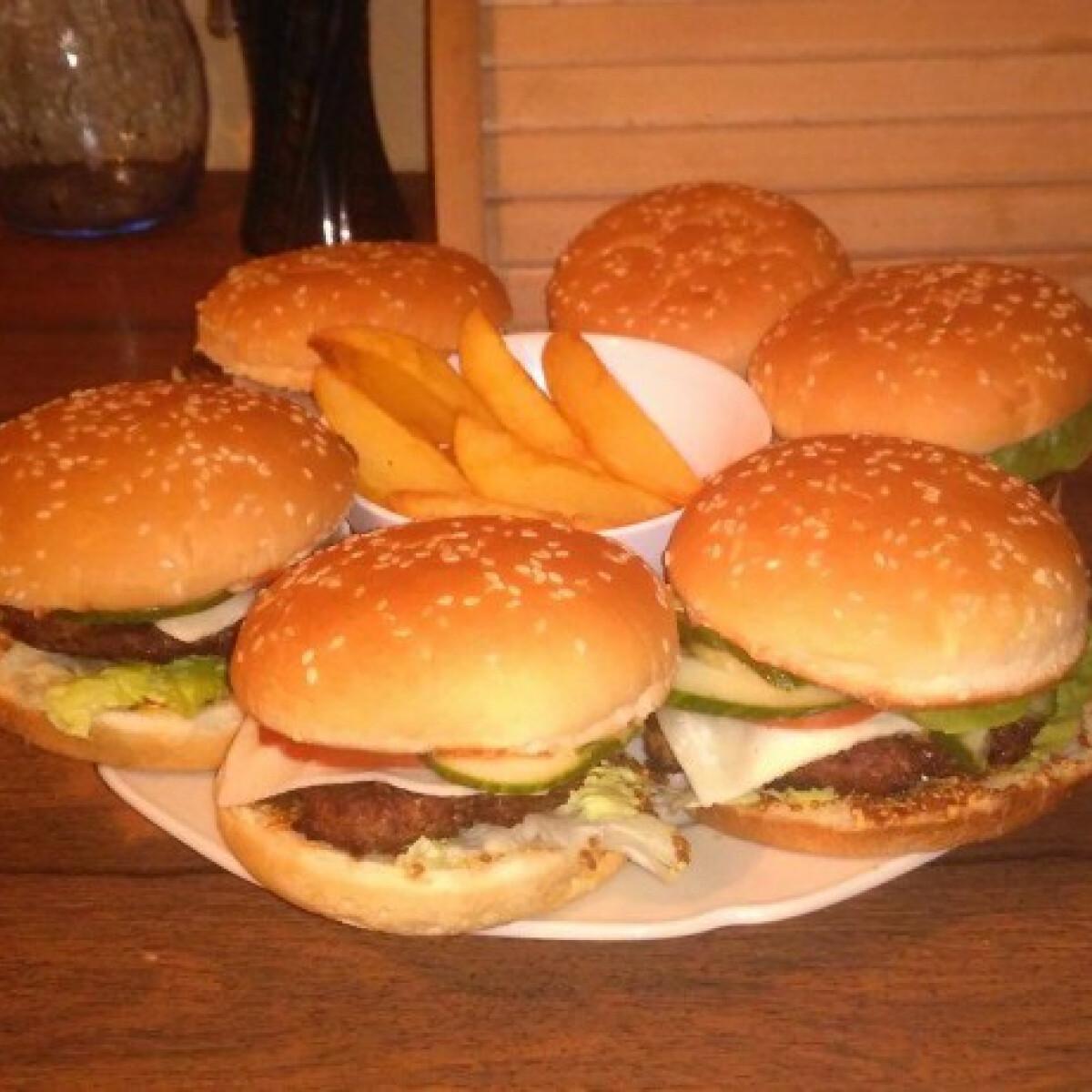 Ezen a képen: Röfiburger ínyenceknek