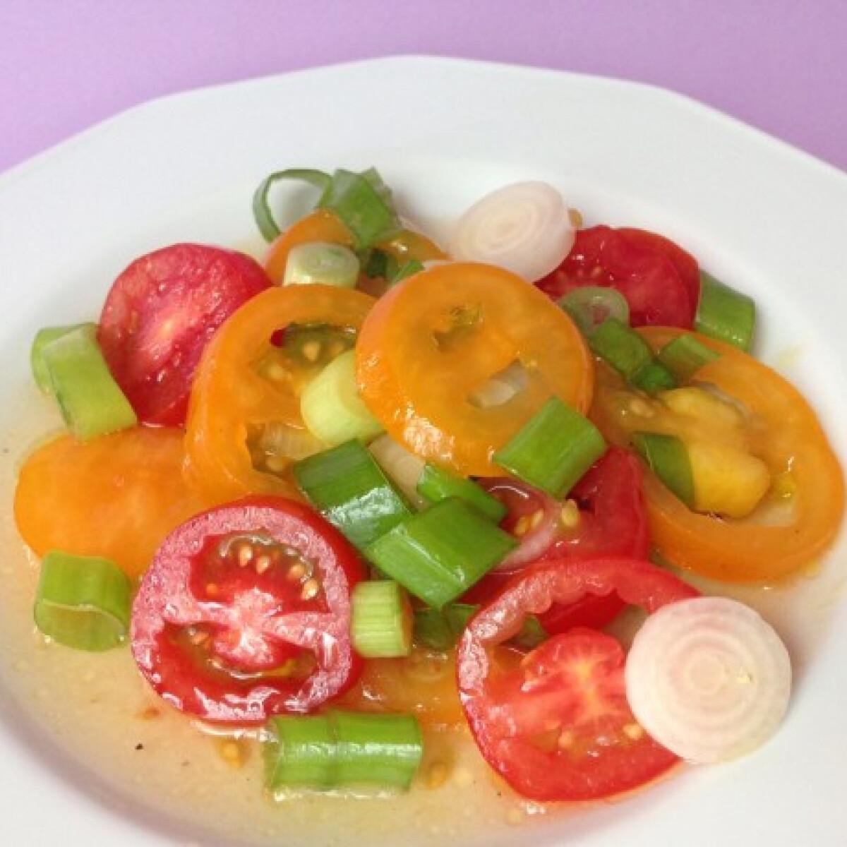 Koktélparadicsom-saláta