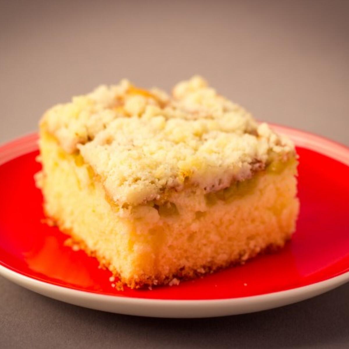 Ezen a képen: Könnyű rebarbarás süti