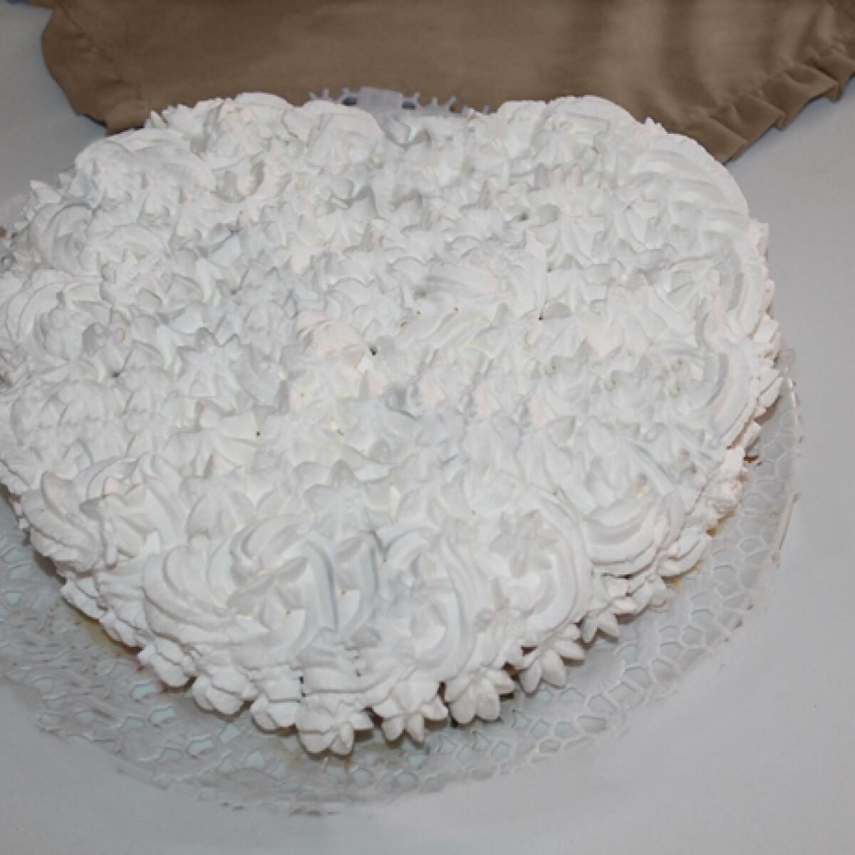 Ezen a képen: Kinder bueno dupla kekszréteggel