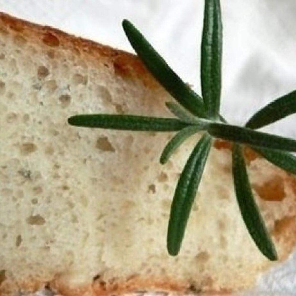 Ezen a képen: Burgonyás-rozmaringos kenyér