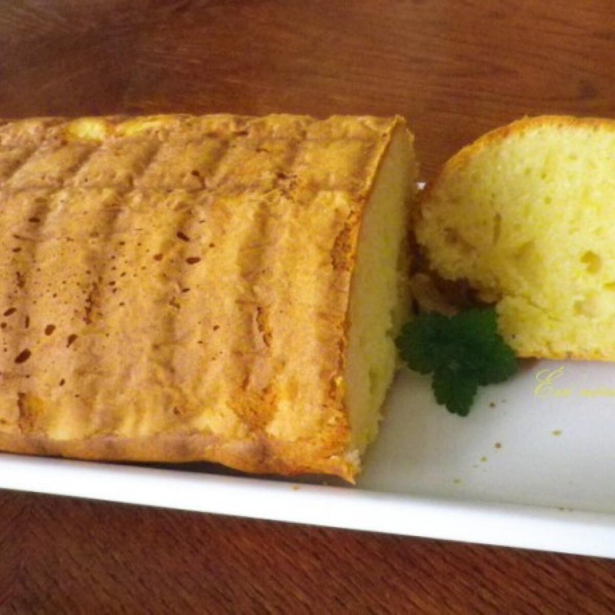 Ezen a képen: Citromos sütemény tejsavóval