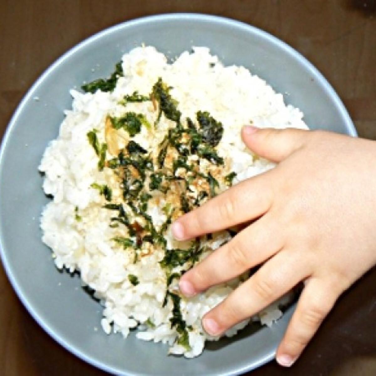 Tapadósra főzött rizs ázsiai ételekhez
