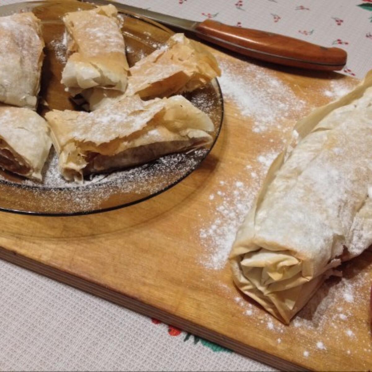Ezen a képen: Almás rétes DoGGma konyhájából