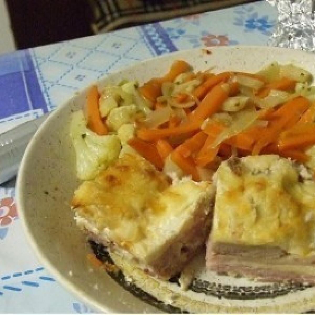 Ezen a képen: Tejszínes rakott hús