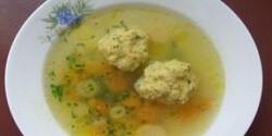 Maceszgombóc leves