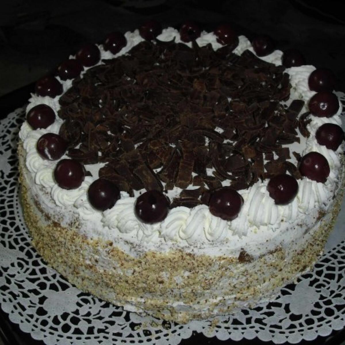 Ezen a képen: Feketeerdő torta PoOcaktól