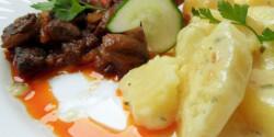 Gombás csirkemáj sajtszószos burgonyával