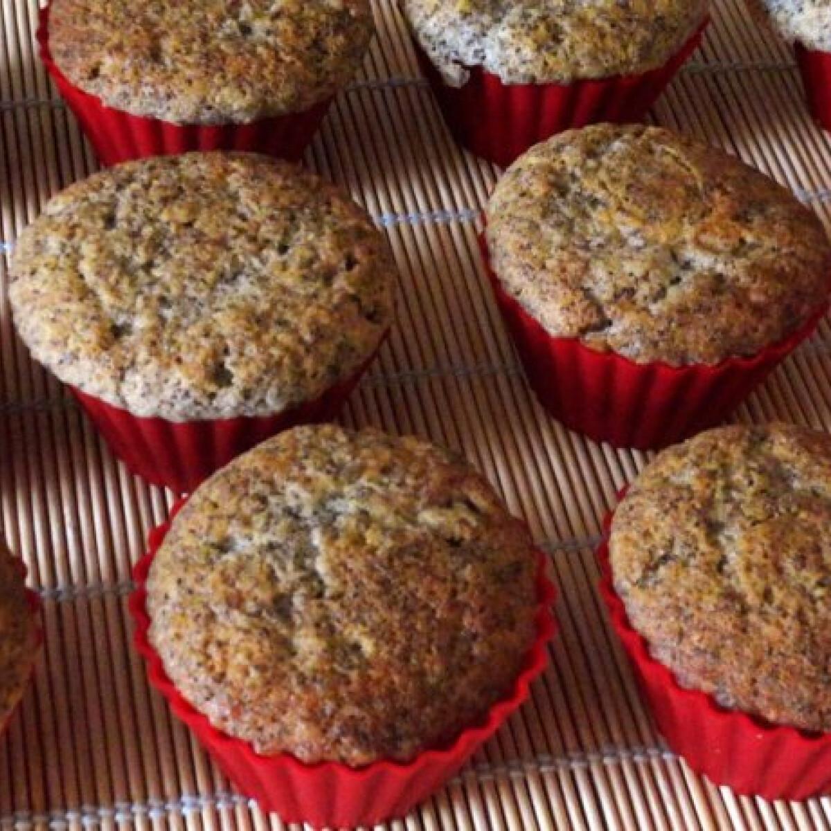 Ezen a képen: Citromos-mákos muffin Glaser konyhájából