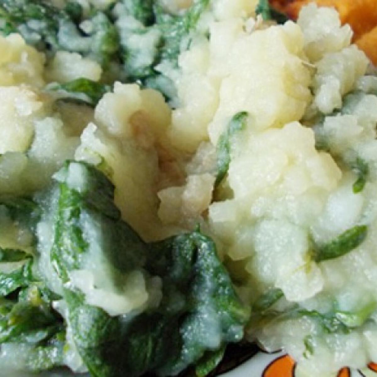 Spenótos újkrumpli fokhagymával