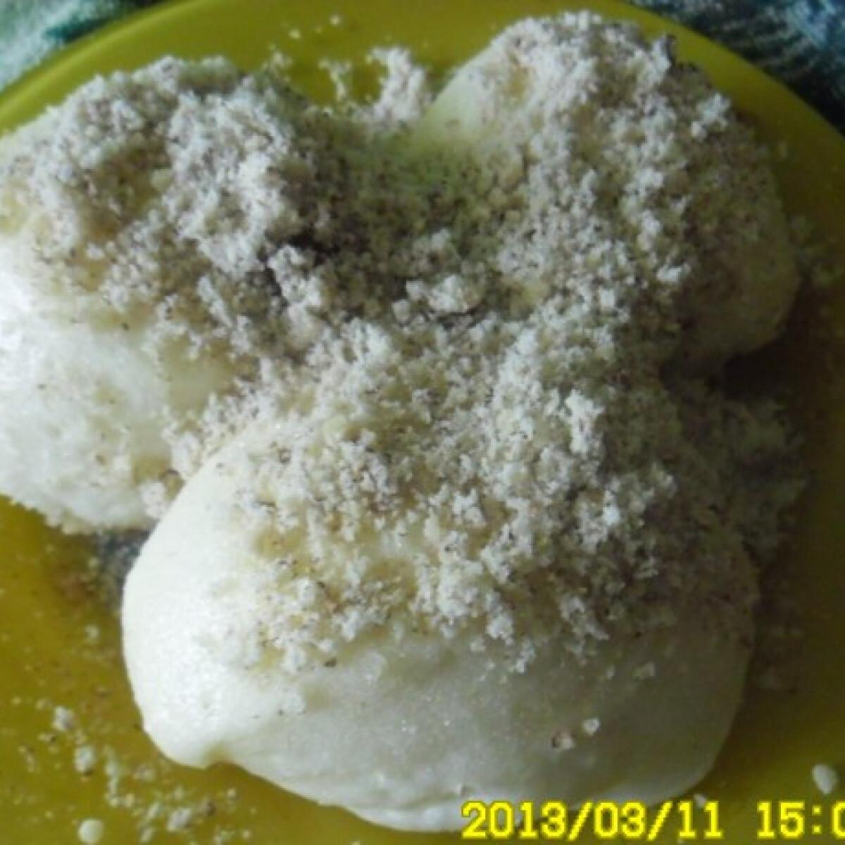 Ezen a képen: Gőzgombóc Helena konyhájából