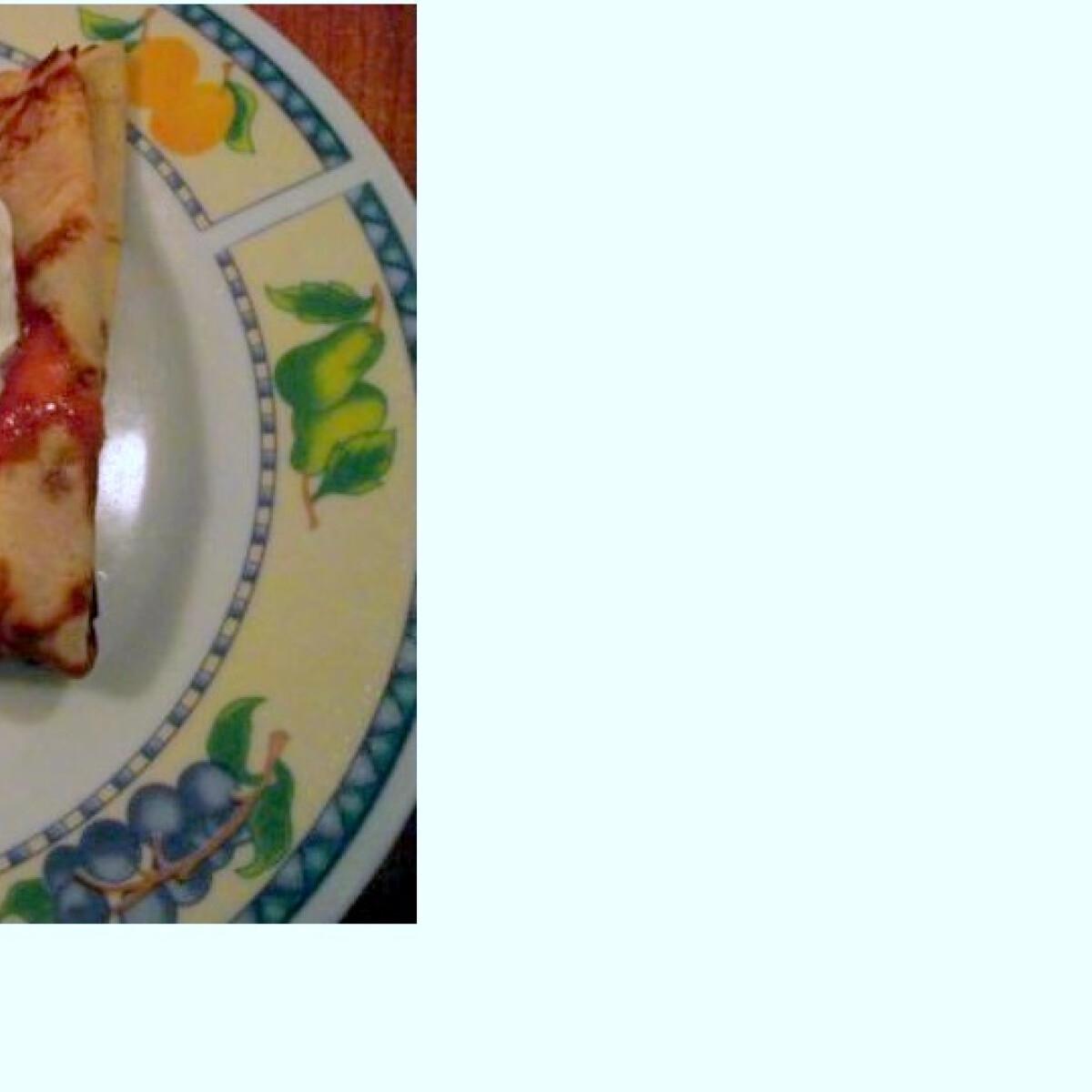 Ezen a képen: Boros-szilvás túrós palacsinta