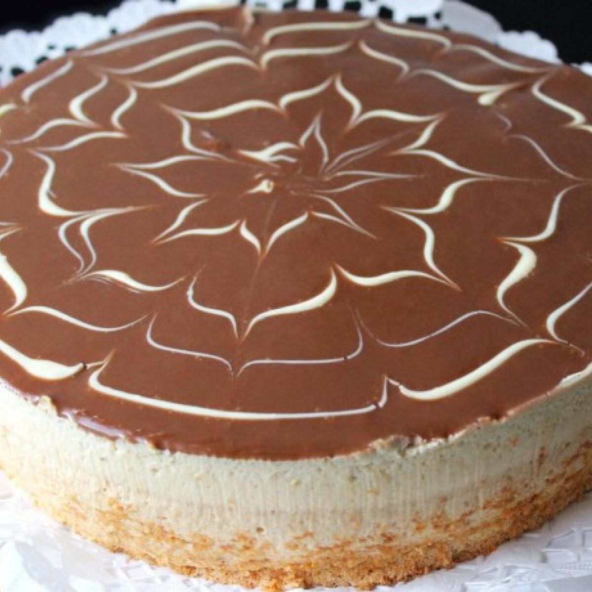 Ezen a képen: Mogyoróvajas-karamellás torta