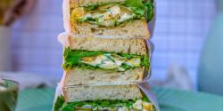 Kukoricasalátás szendvics