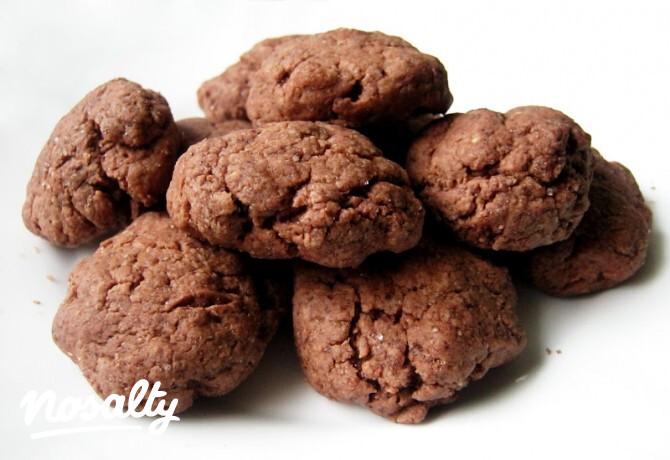 Ezen a képen: Mikrós kakaós keksz