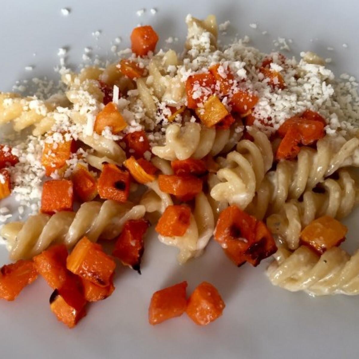 Ezen a képen: Sütőtökös-gorgonzolás fusilli
