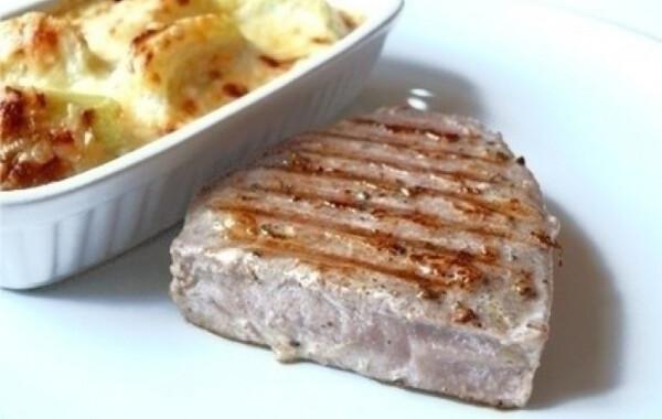 Vörös tonhal steak