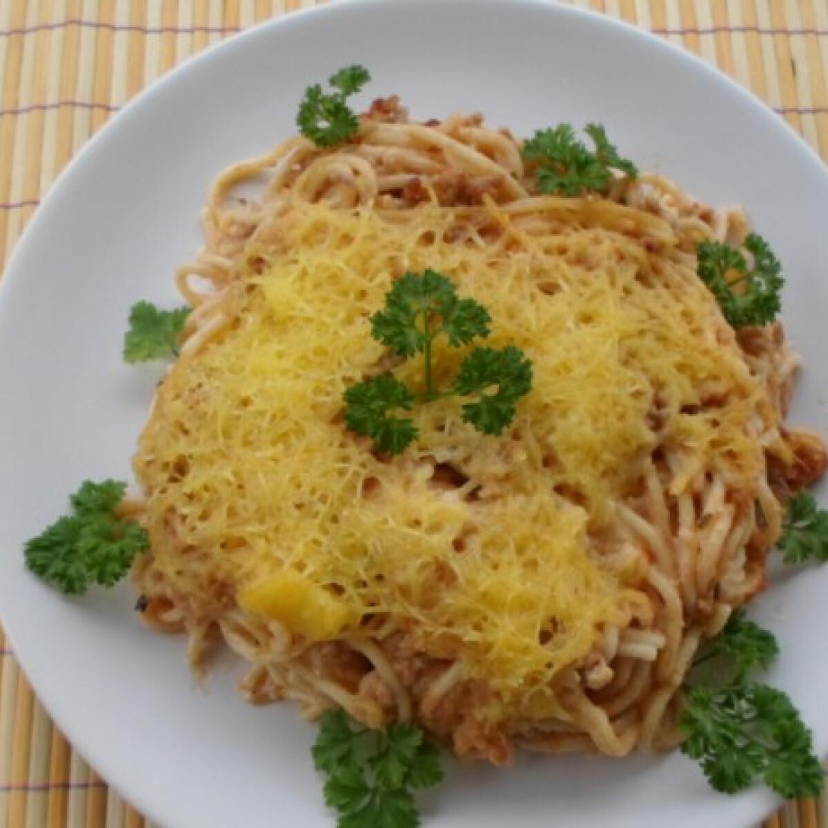 Ezen a képen: Tejszínes rakott bolognai tészta
