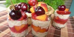 Zabkása gyümölcsökkel rétegezve