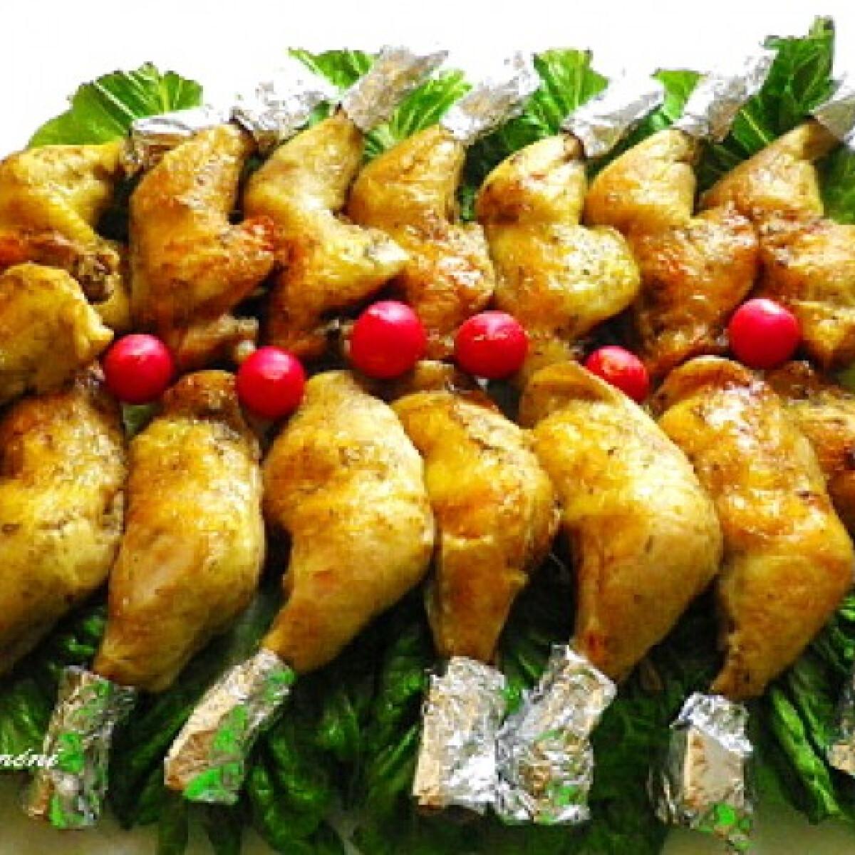 Ezen a képen: Citromos-fokhagymás csirkecomb
