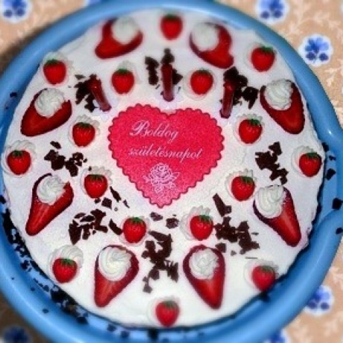 Ezen a képen: Epres torta