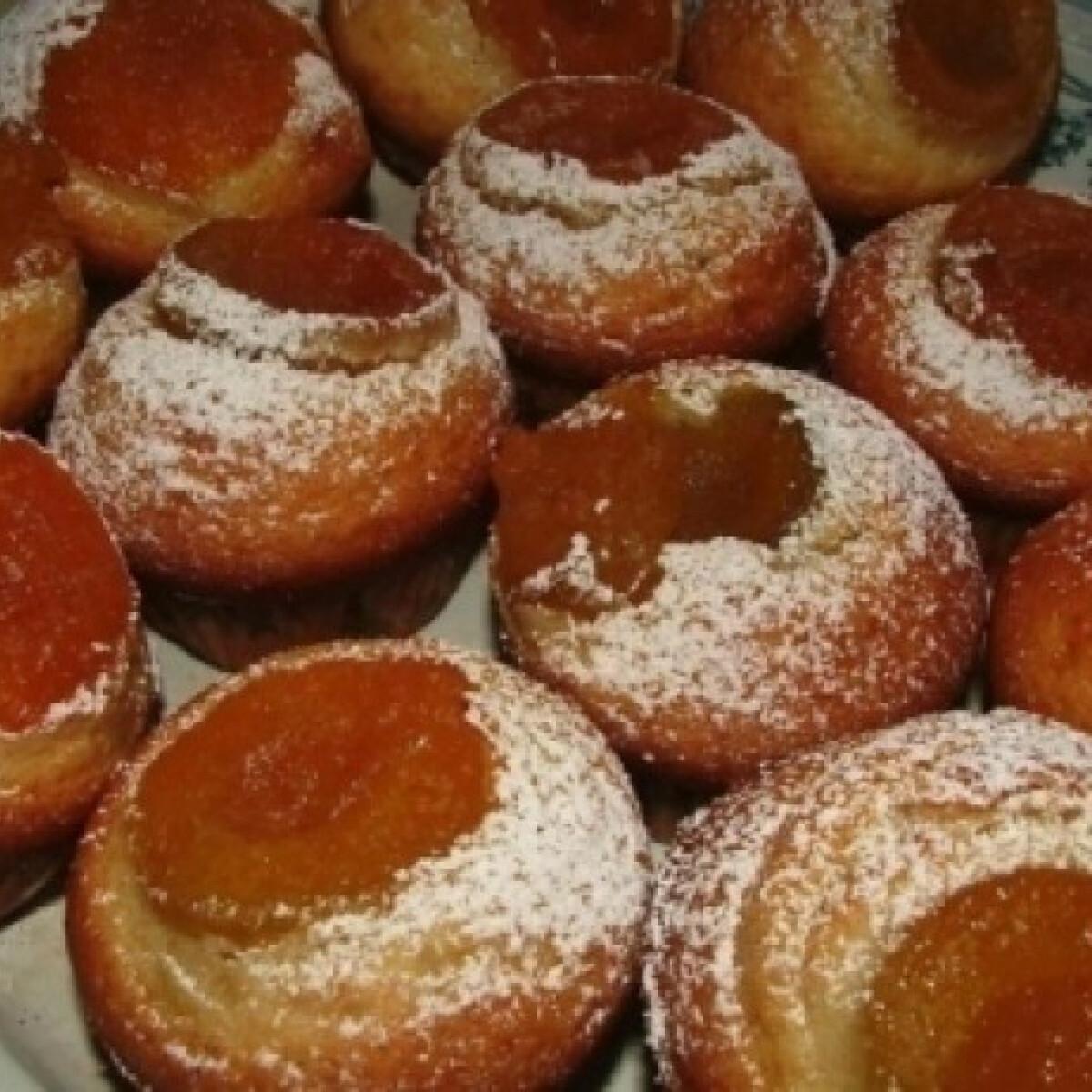 Ezen a képen: Sárgabarackos muffin