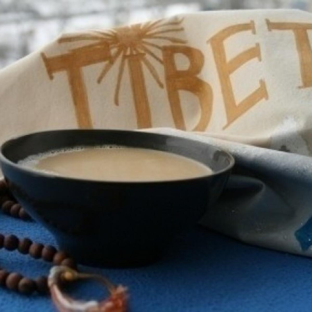 Ezen a képen: Tibeti vajas tea