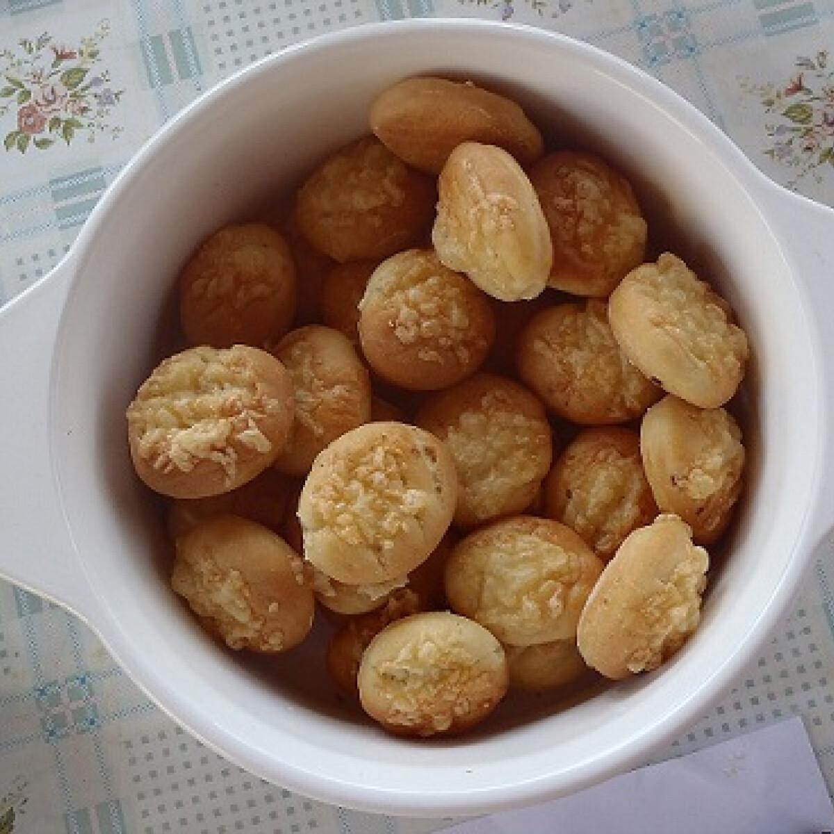 Fokhagymás sajtos pogácsa