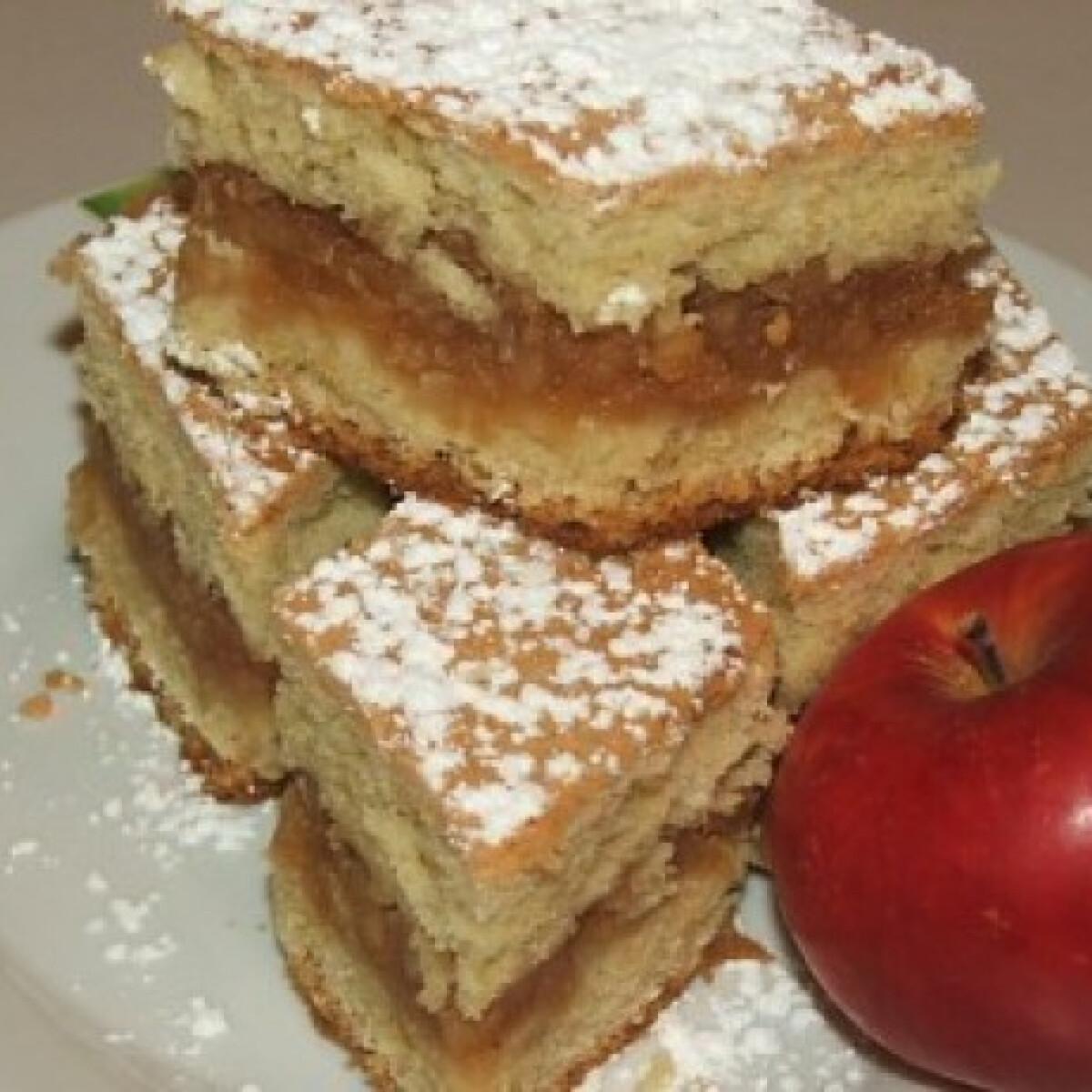 Ezen a képen: Mese almás ahogy Anita süti