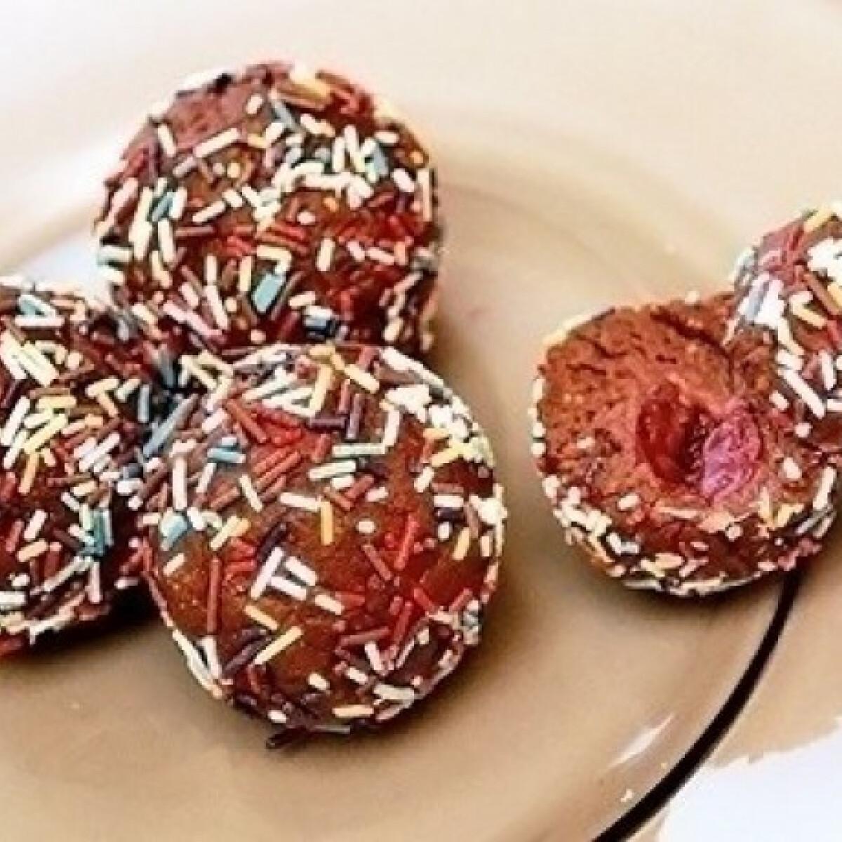 Ezen a képen: Csokidarás golyó