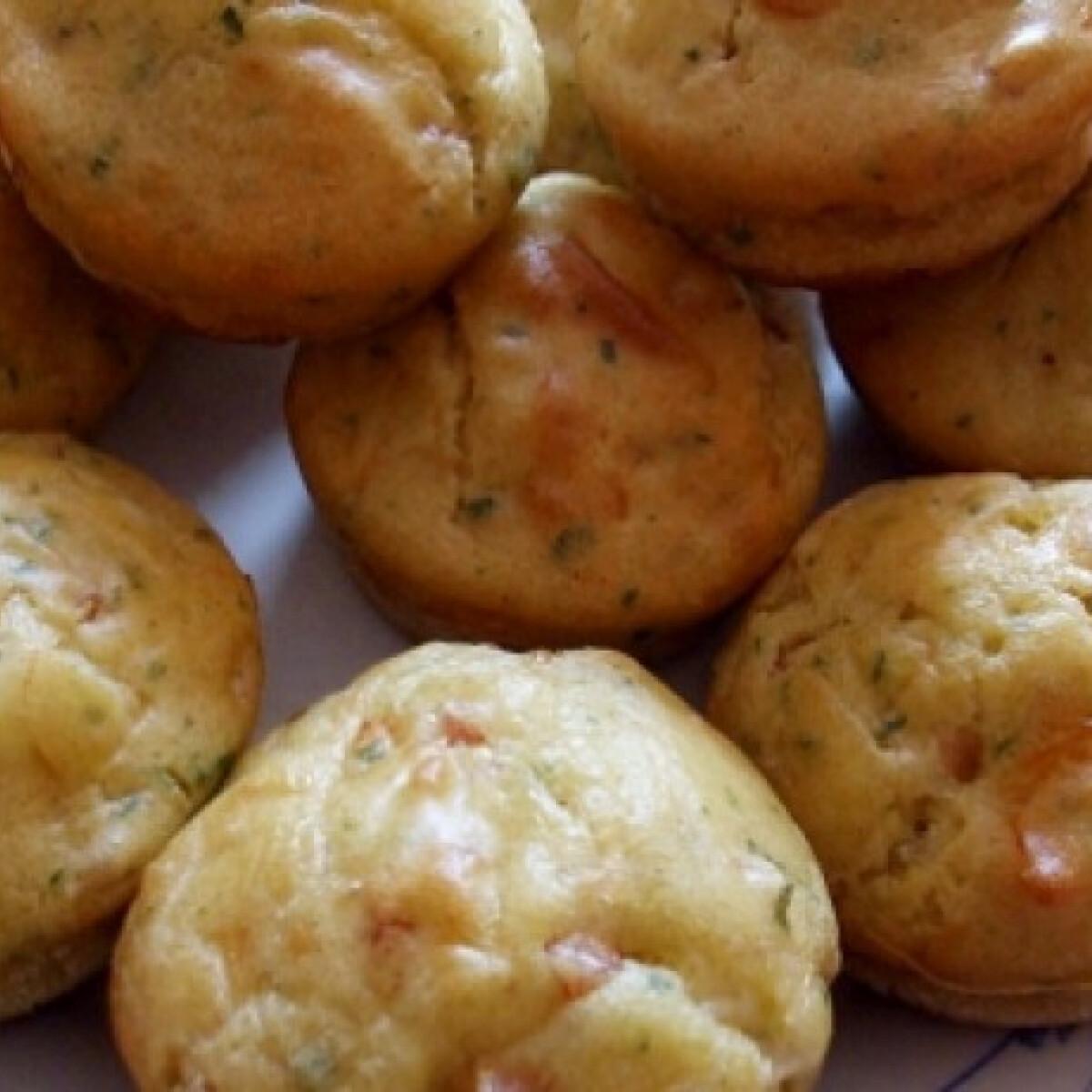 Ezen a képen: Sonkás-sajtos muffin Andi konyhájából