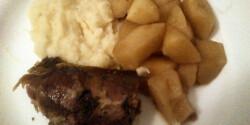 Libasült zellerpürével és almakompóttal