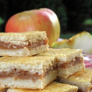 Almás vagy meggyes pite