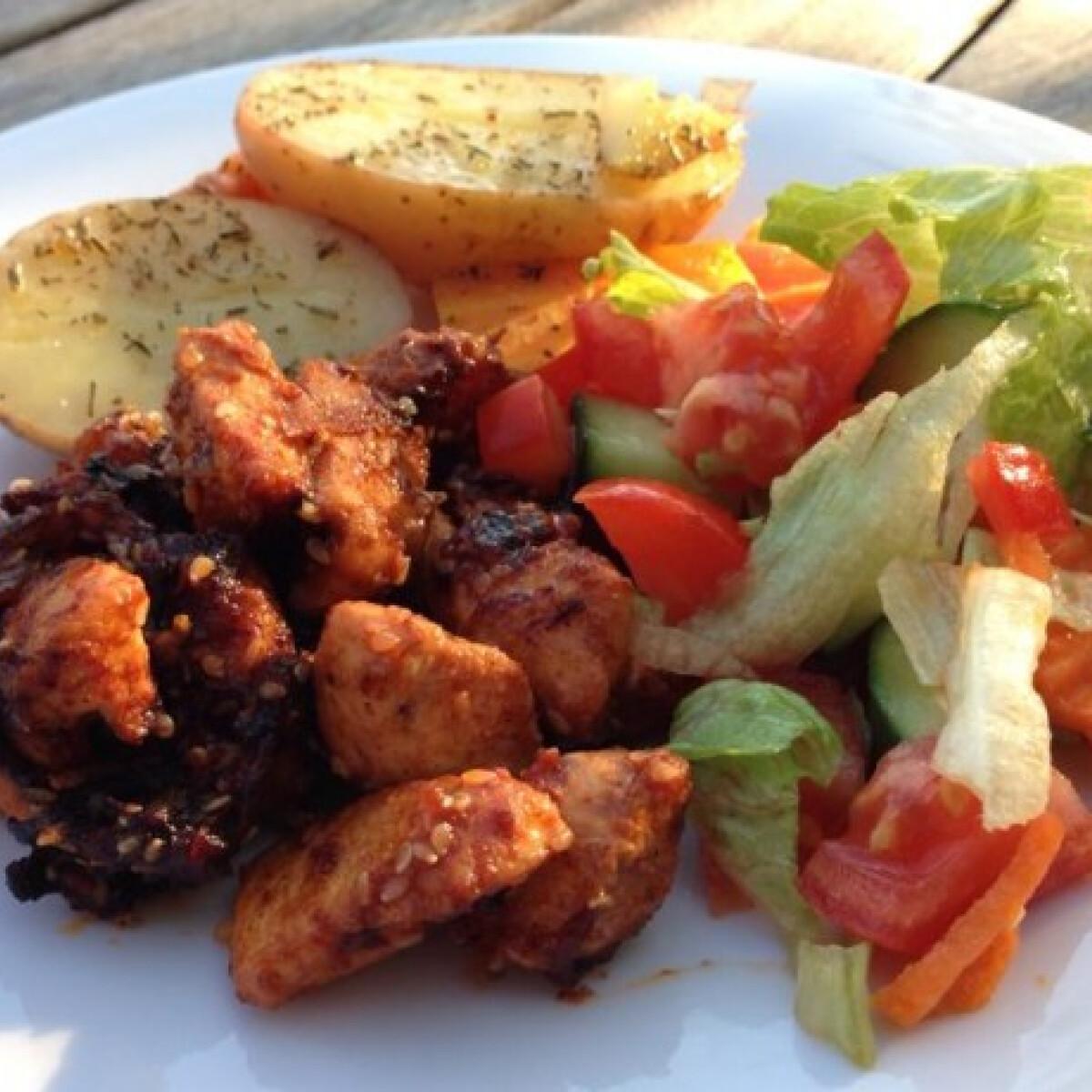 Ezen a képen: Fűszeres csirkemell falatok