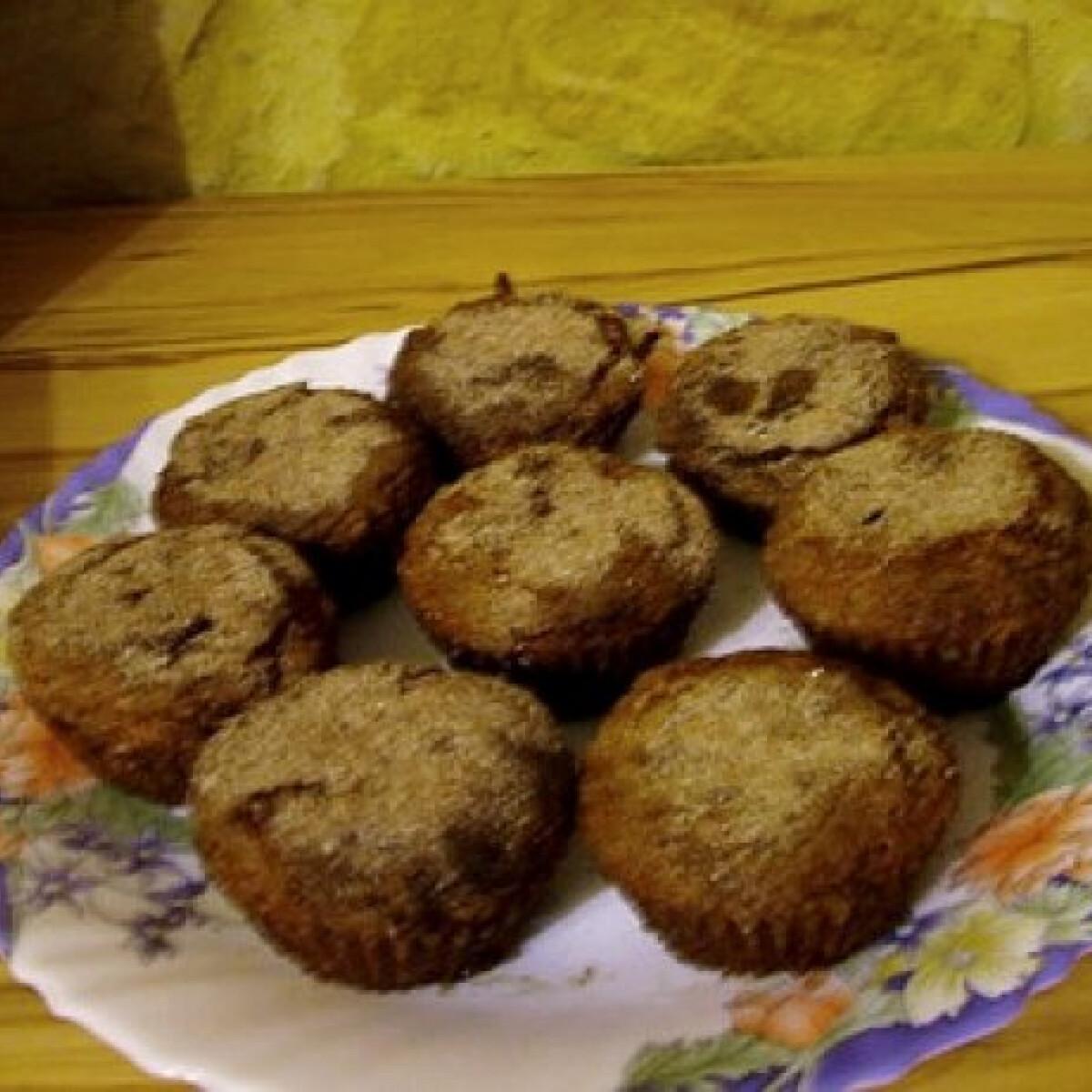 Ezen a képen: Fahéjjal megszórt almás muffin