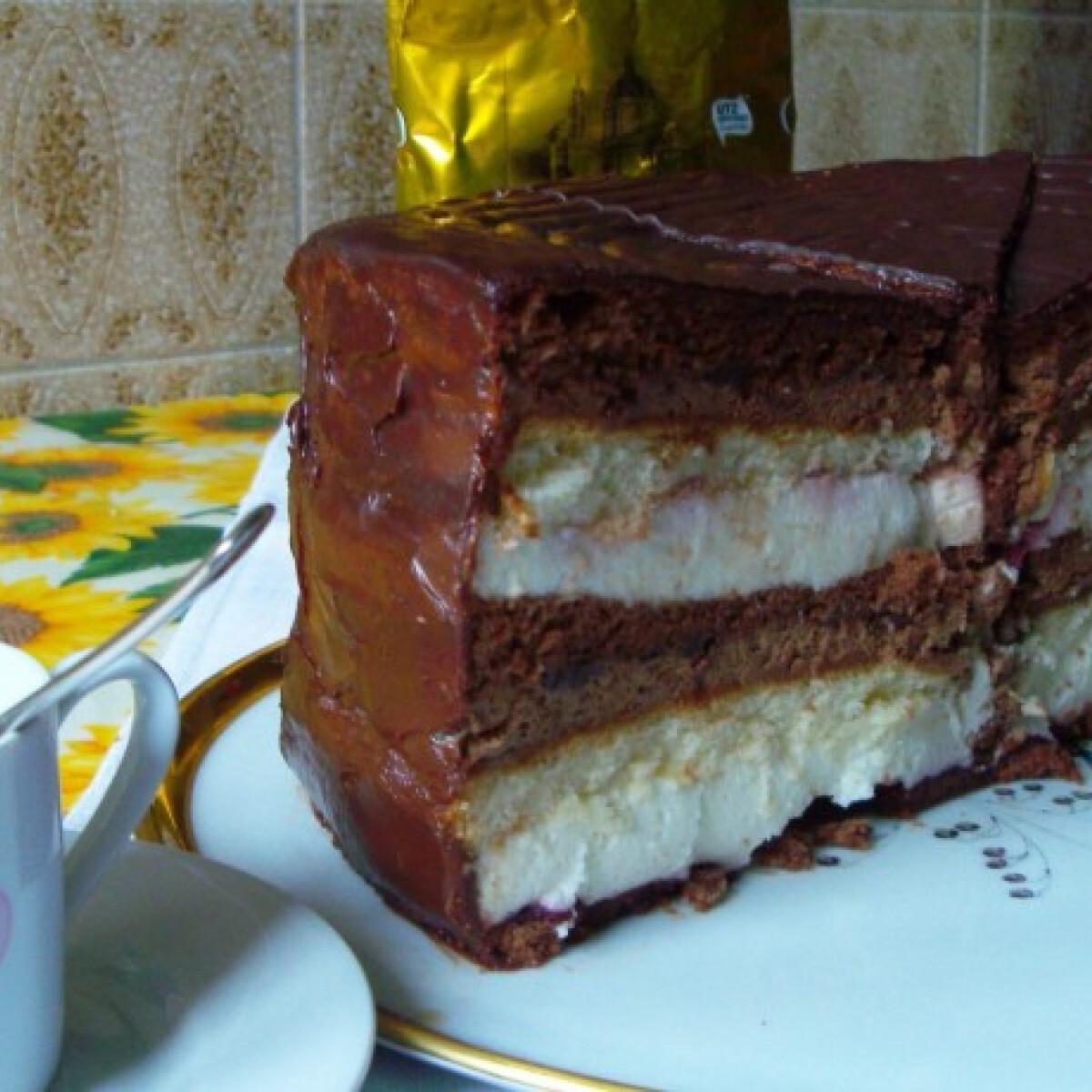 Ezen a képen: Csokis túrótorta extra
