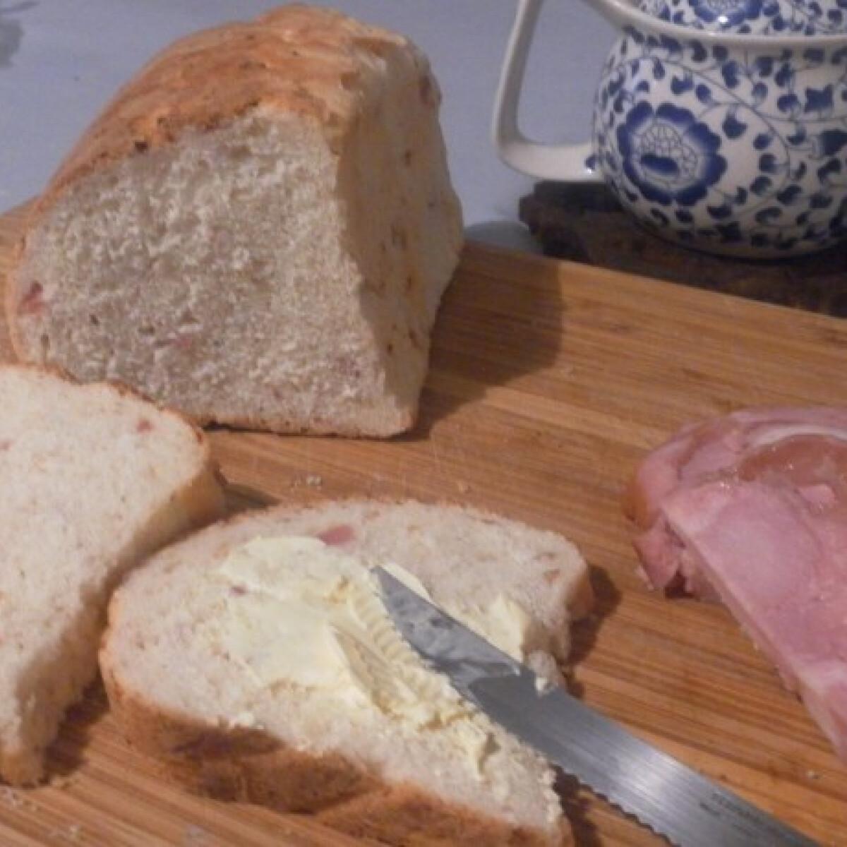 Ezen a képen: Maradékmentő sonkás kenyér