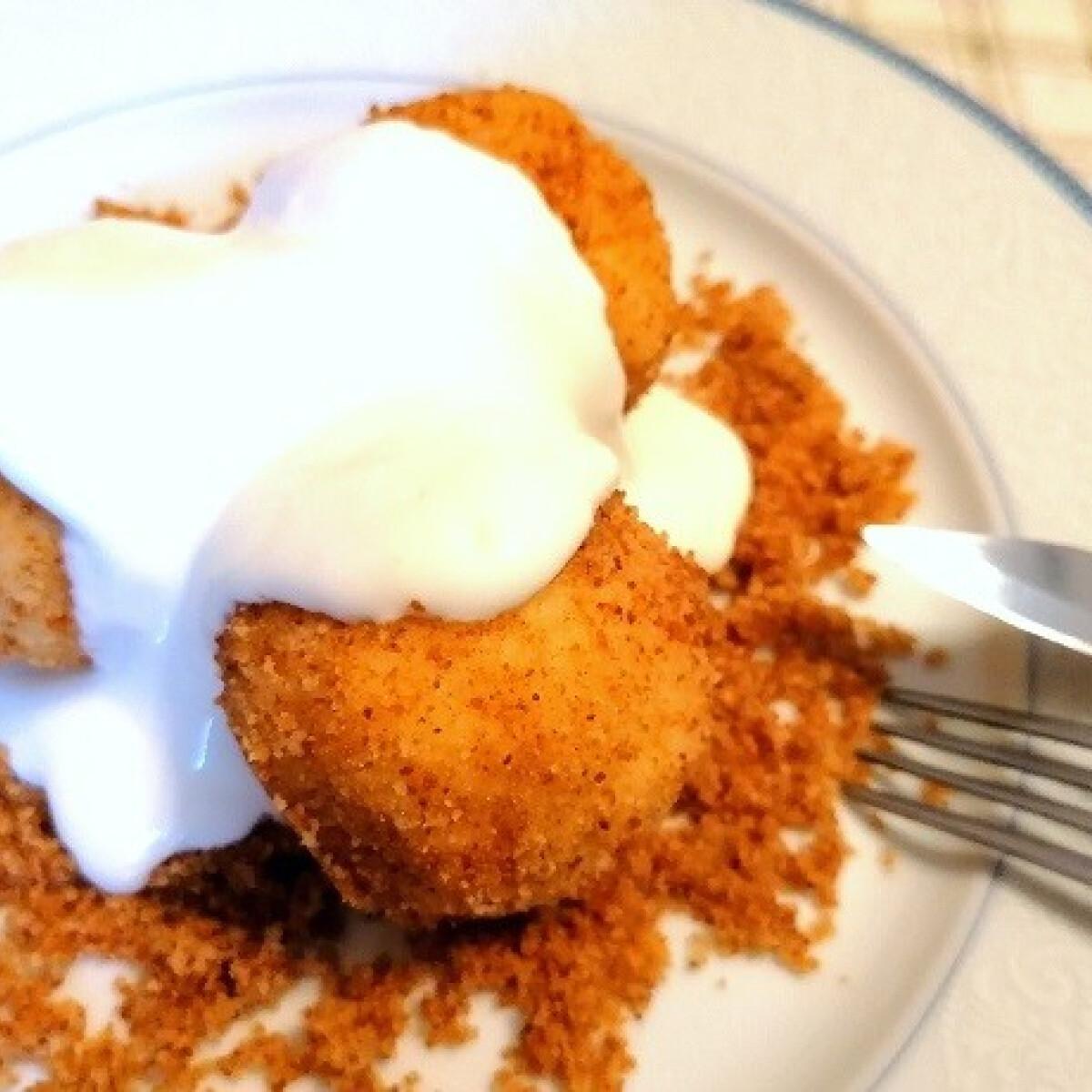 Ezen a képen: Túrógombóc édes tejfölöntettel