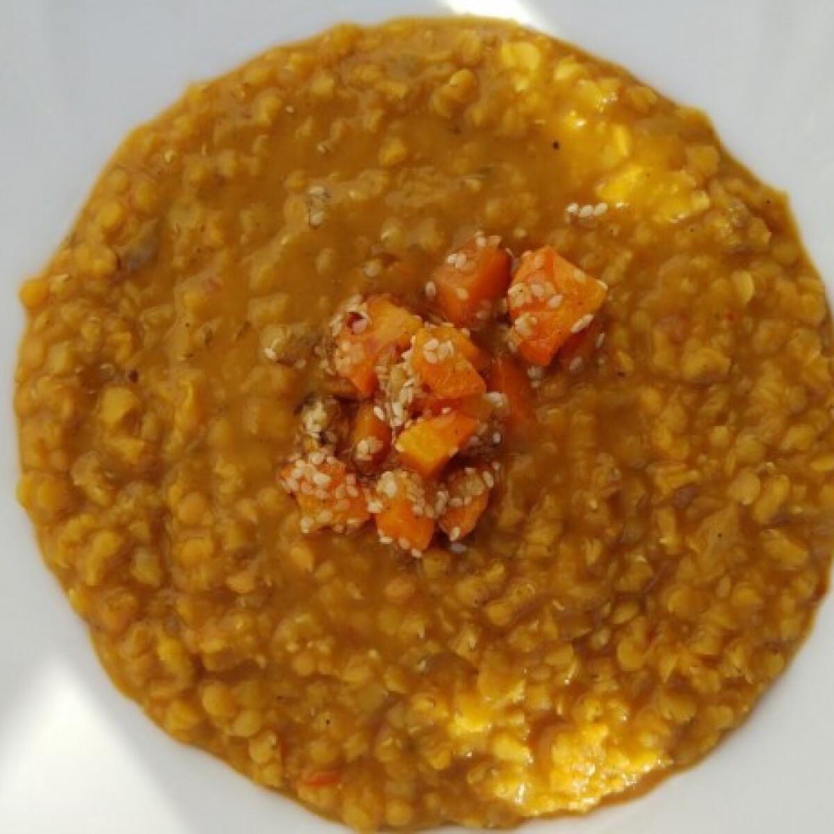 Ezen a képen: Ázsiai vöröslencse-főzelék szezámos répával