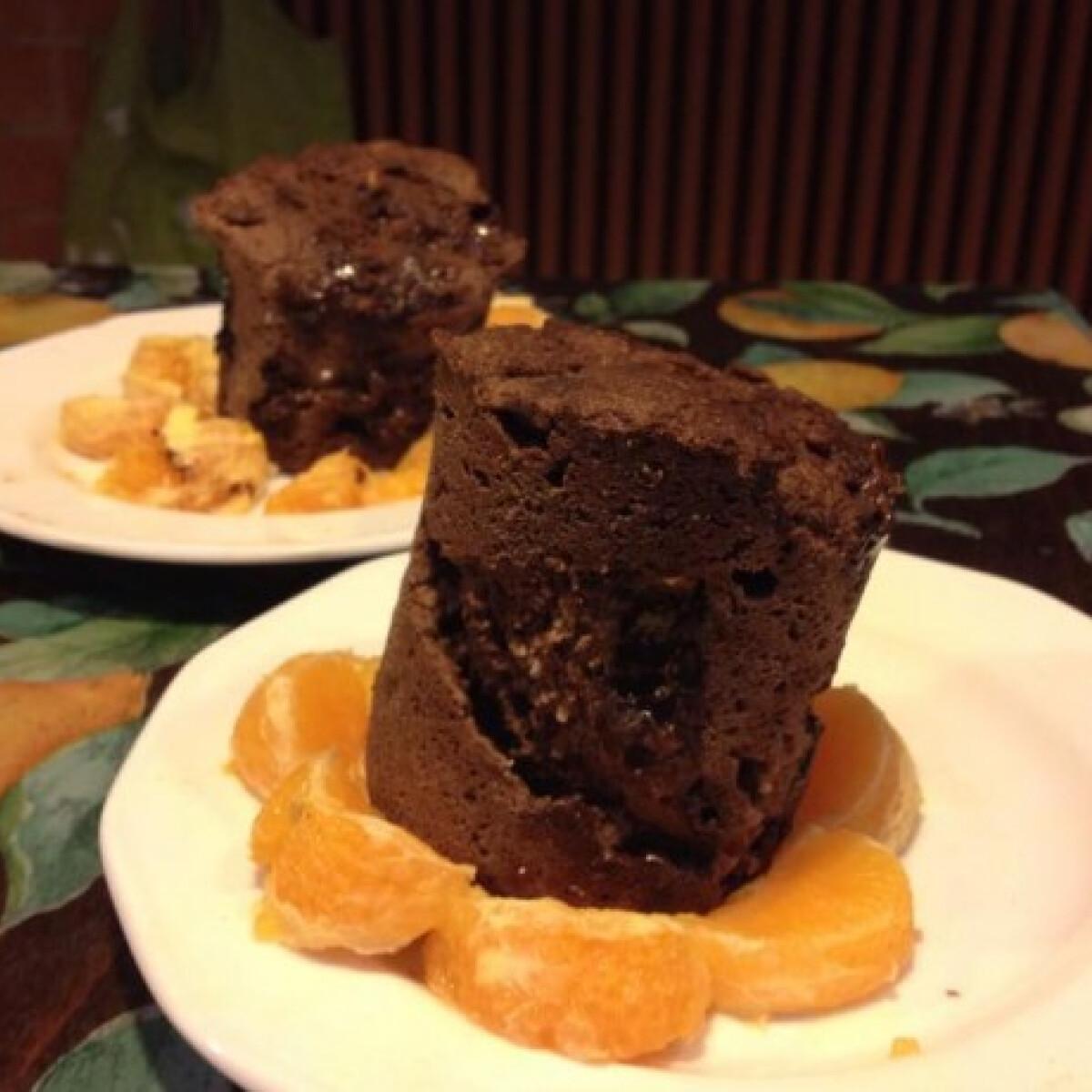Ezen a képen: Paleo csokis bögrés süti