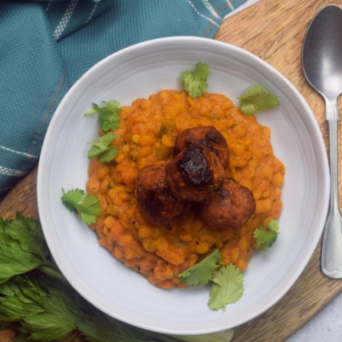 Ezen a képen: Currys sárgaborsó-főzelék