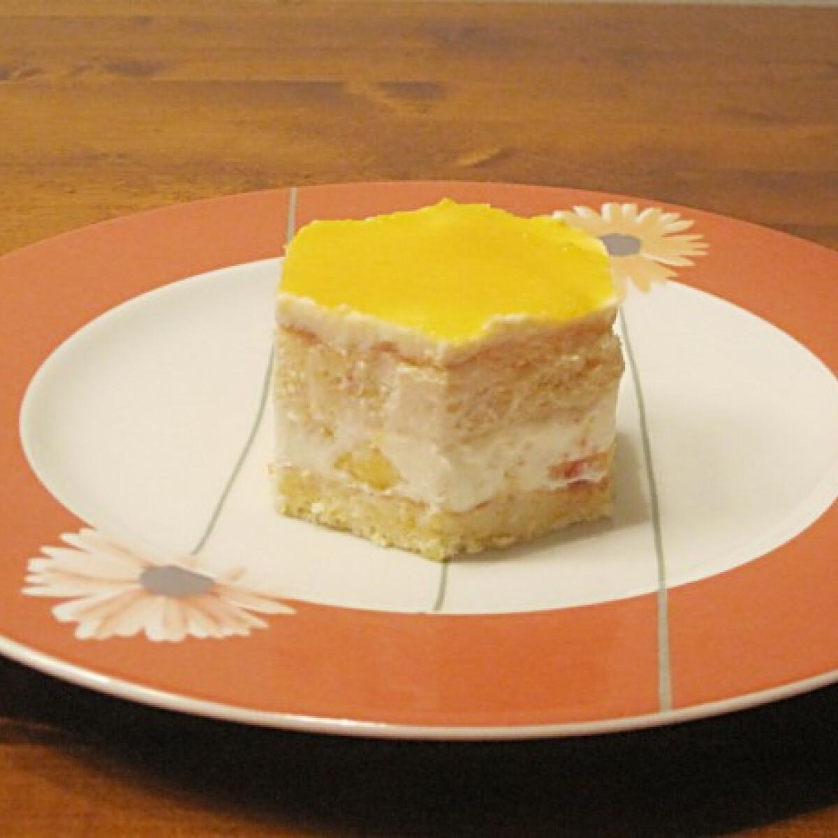 Ezen a képen: Őszibarackos torta Éva konyhájából