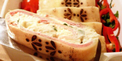 Húsvéti sonkás sajttekercs
