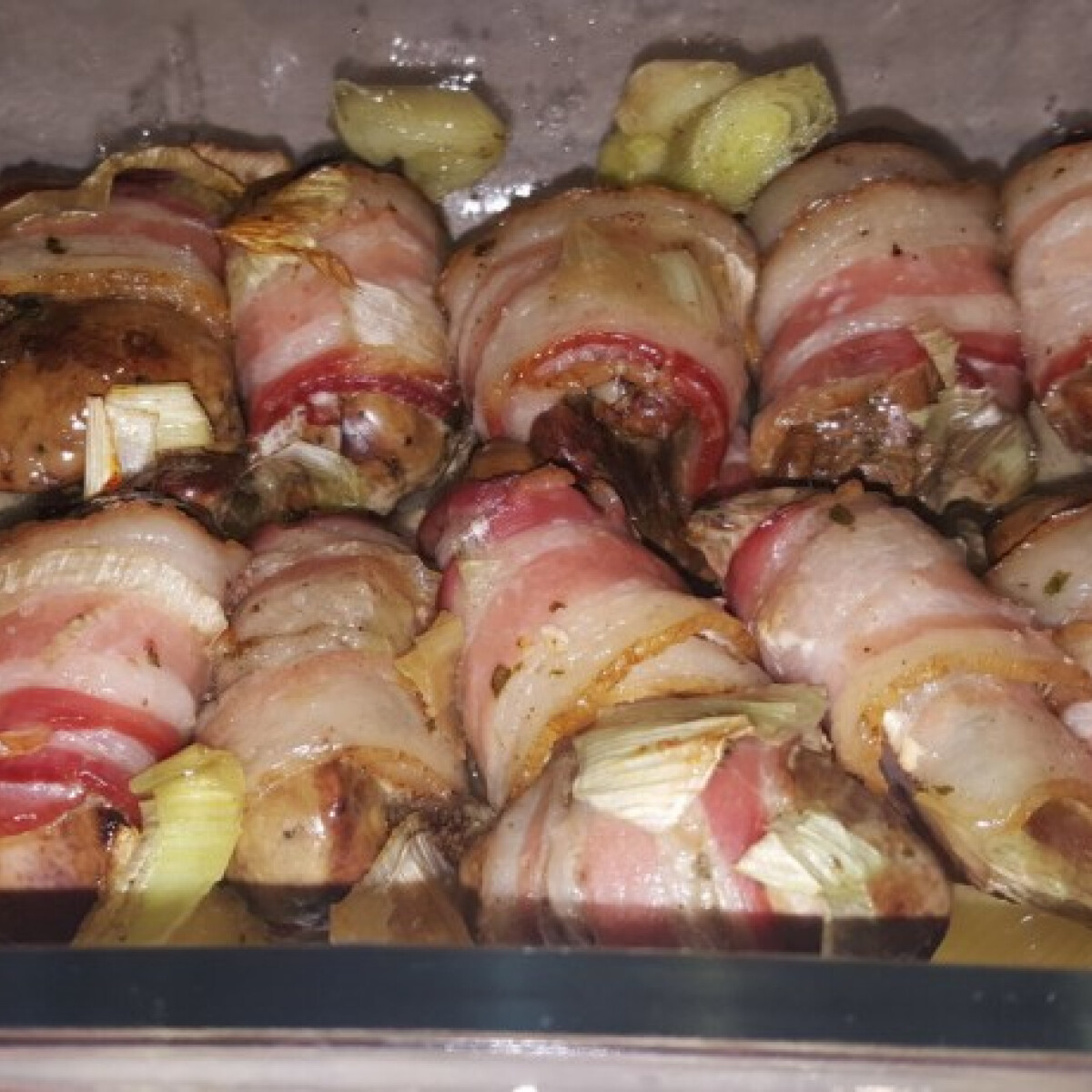 Csirkemáj baconben