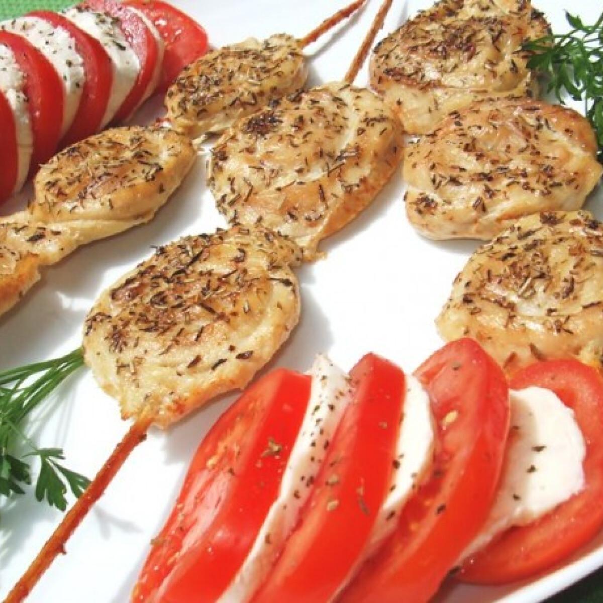 Ezen a képen: Provánszi csirketekercsek
