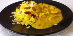 Csirke curry mazsolás-mandulás rizzsel