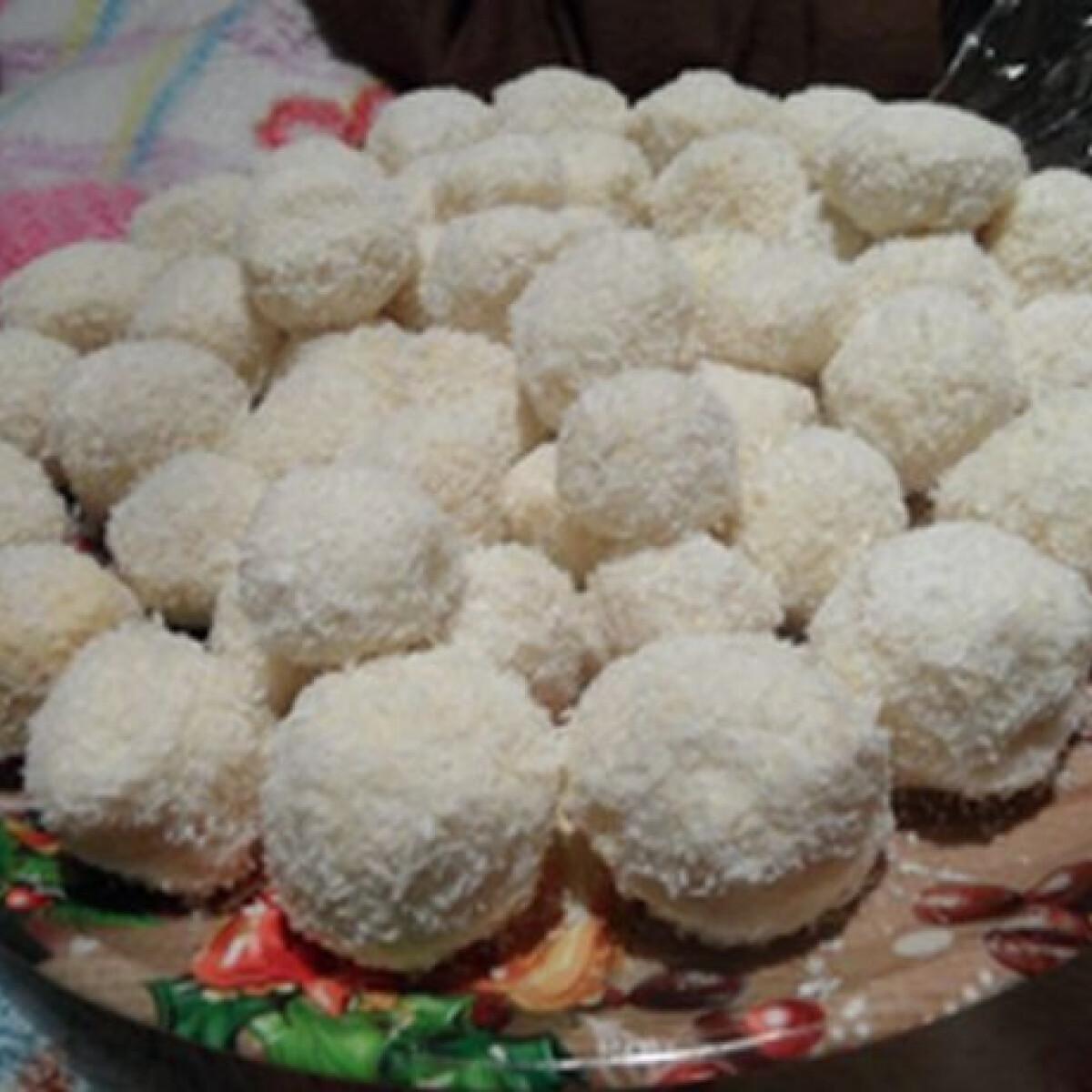 Ezen a képen: Raffaello golyók vekvik konyhájából