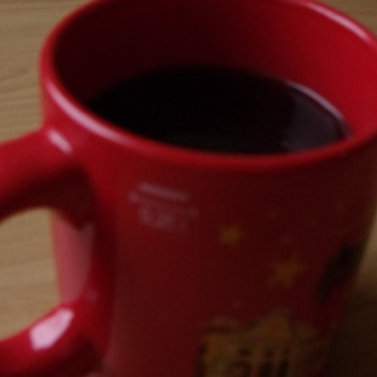 Ezen a képen: Szilvás - fahéjas forralt bor