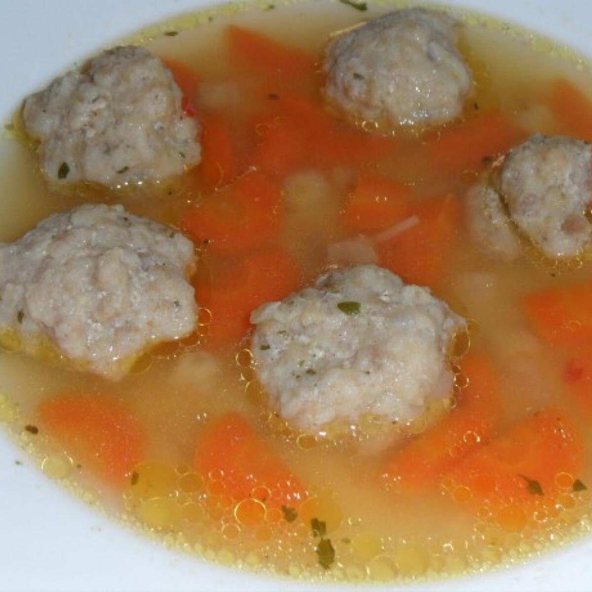 Ezen a képen: Húsgombóc leves N. Olgitól