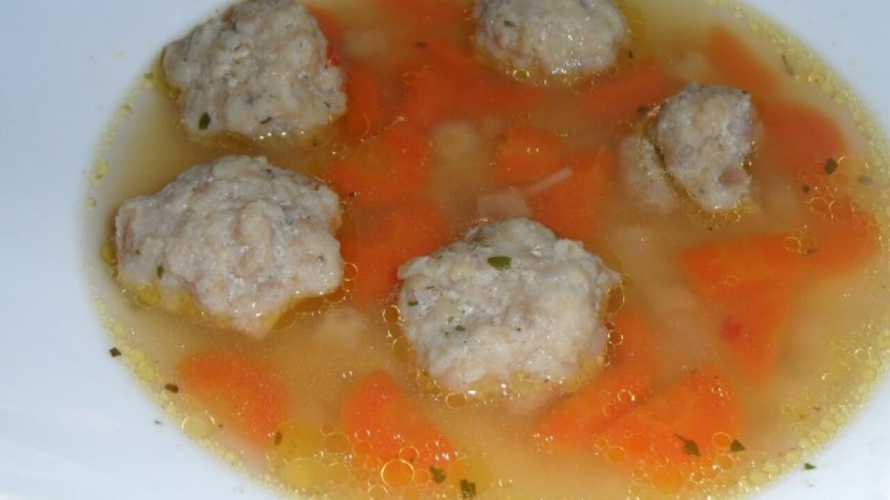 Húsgombóc leves N. Olgitól